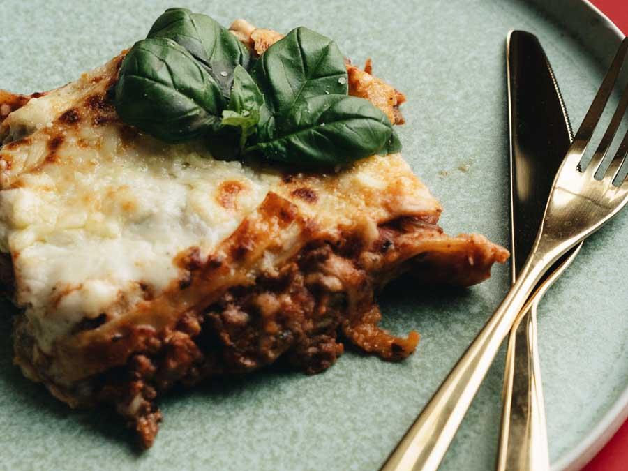 buffetten aan huis bestellen catering feestje thuis lasagne en pasta Italiaans