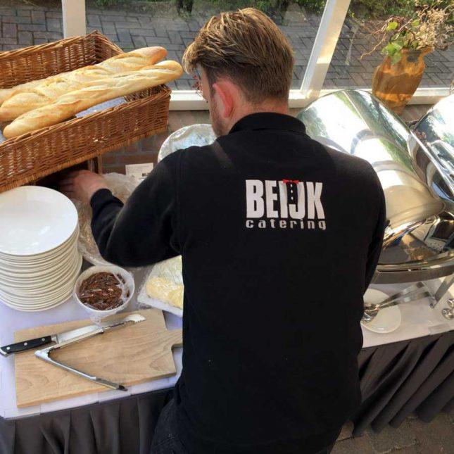 Cateraar Friesland buffet klaarzetten